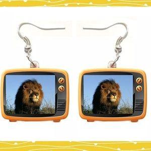 Lion 🦁 Dangle Earrings. 🆕